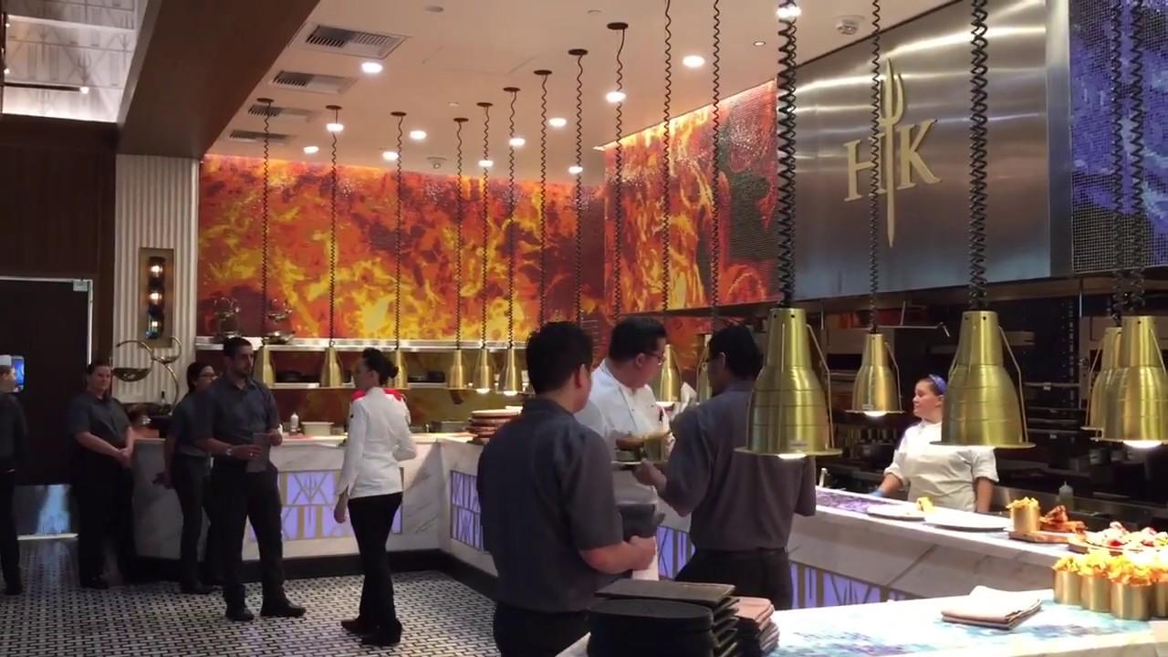 gordon ramsay hells kitchen caesars palacelas vegas 1302018 - Hells Kitchen Las Vegas 2