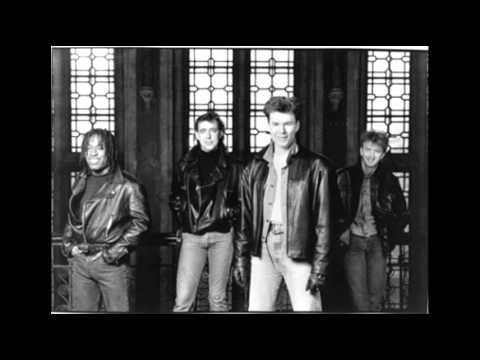 Big Country - Black Skinned Blue Eyed Boys [Hammersmith Odeon -1990]
