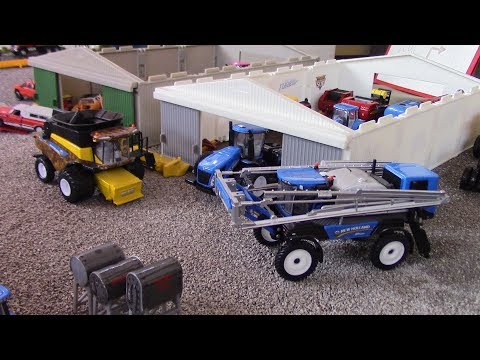 True Blue New Holland 1/64 Display At The 2018 Lafayette Farm Toy Show