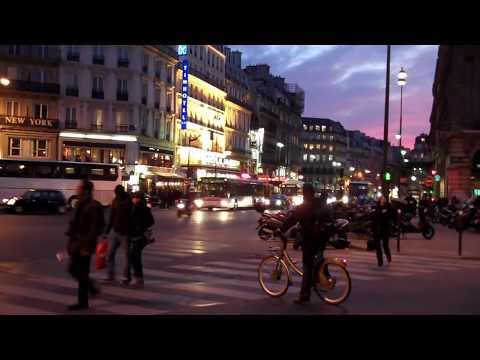 Paris, le soir à la gare Saint-Lazare