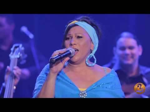 Maria Victoria Rodriguez-A la Reina del Mar (Live)