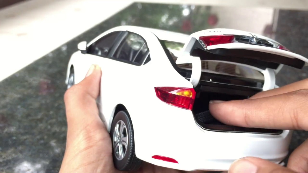 Unboxing Of Mini 2015 Honda City 1 18 Diecast Toy Car