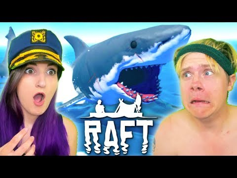 HUSBAND AND WIFE LOST AT SEA | Raft #1 (Funny Moments)