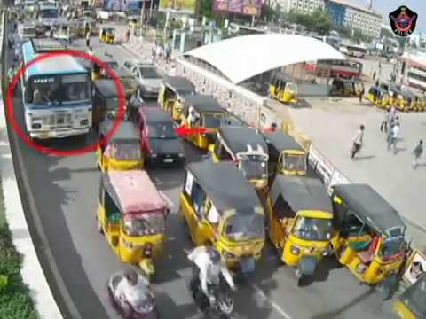 Bus Vs Auto Accident | Caught By CCTV in Tirupati | Live Accidents in India