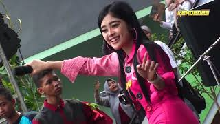 Download Lagu Vivi Artika New Kendedes Balungan Kere Live SMK PGRI 2 KEDIRI mp3
