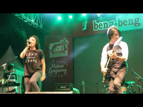 Leaving - Killing Me Inside Live @ JakCloth 2015