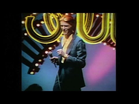 David Bowie - Fame 1975 - Soul Train (remastered)