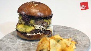 Yumurtalı Steak Burger (Nefis Yemek Tarifleri)