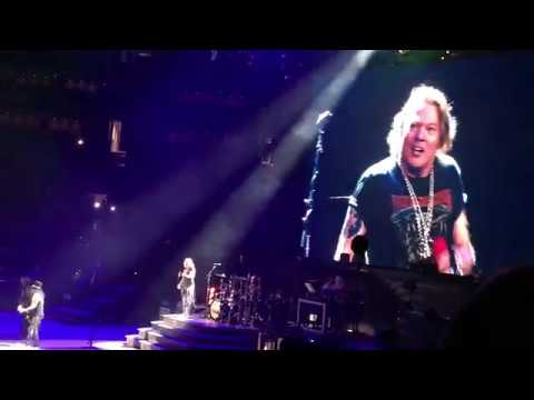 "GUNS-N-ROSES - ""WELCOME TO THE JUNGLE"" LIVE AT TD GARDEN IN BOSTON - 10/22/17"