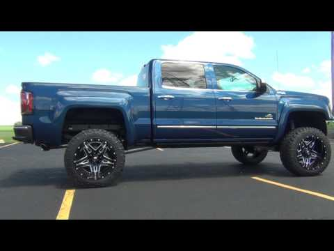 Amp Research Powersteps - Everest Lifted Trucks