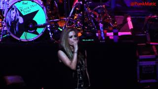 Avril Lavigne - Everybody Hurts - Live São Paulo Brasil 28-07-2011 HD by @PunkMatic