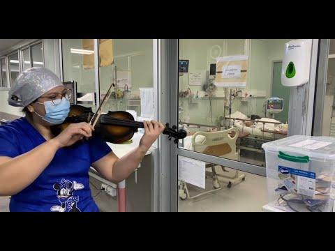 لفتة إنسانية في زمن الوباء..ممرضة تعزف على الكمان لمصابي كورونا في التشيلي  - 17:01-2020 / 7 / 7