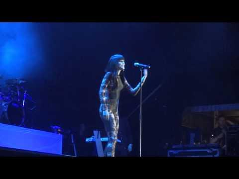Jessie J - Climax - Warwick Castle *FRONT ROW*
