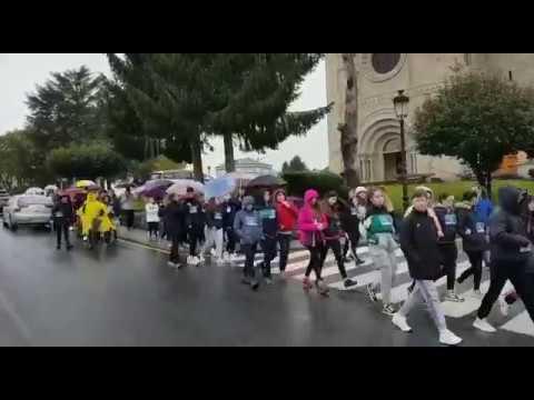 Máis de 400 persoas participan nunha andaina contra a leucemia infantil en Guitiriz