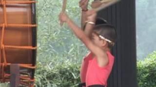 5歳児が自由で元気に奏でる太鼓の音色***