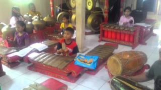 Video Karawitan Anak Kecil Mahir download MP3, 3GP, MP4, WEBM, AVI, FLV November 2018