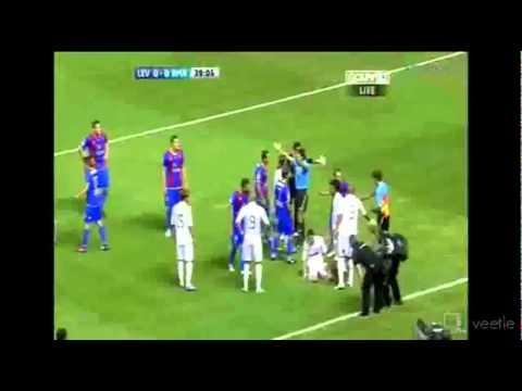 Levante Vs Real Madrid - Karton te kuq Sami Khedira