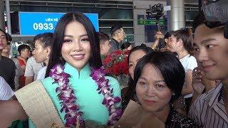 Hoa hậu Phương Khánh bắn tiếng Anh như gió khi vừa  đến sân bay Tân Sơn Nhất