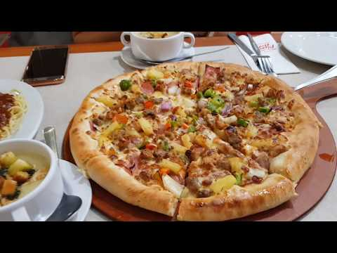Pizza Hut In The Philippines!