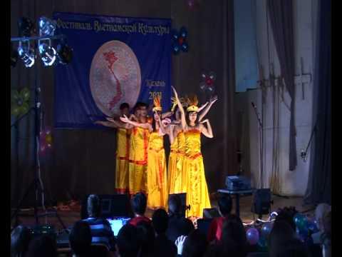 dòng máu lạc hồng - tốp múa trường Đại học Năng lượng và công nghệ Kazan