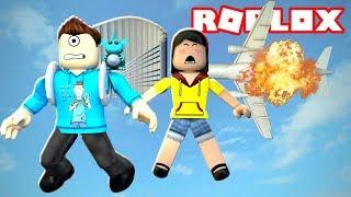 ESCAPE A PLANE CRASH IN ROBLOX w/ Dollastic Plays! | MicroGuardian