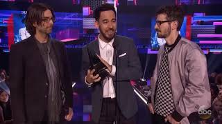 Linkin Park won Favorite Alternative Rock Artist AMA'S 2017