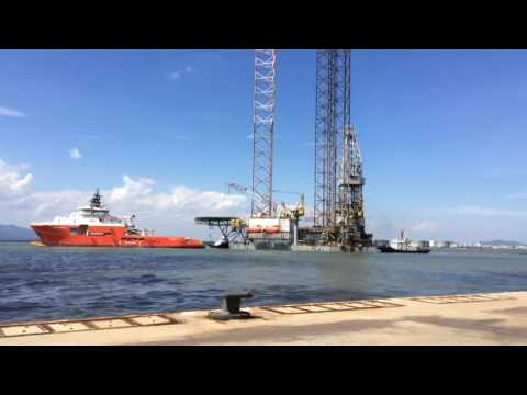 Towing Rigmove Deep Driller 5 (Owner - Aban Offshore Ltd)