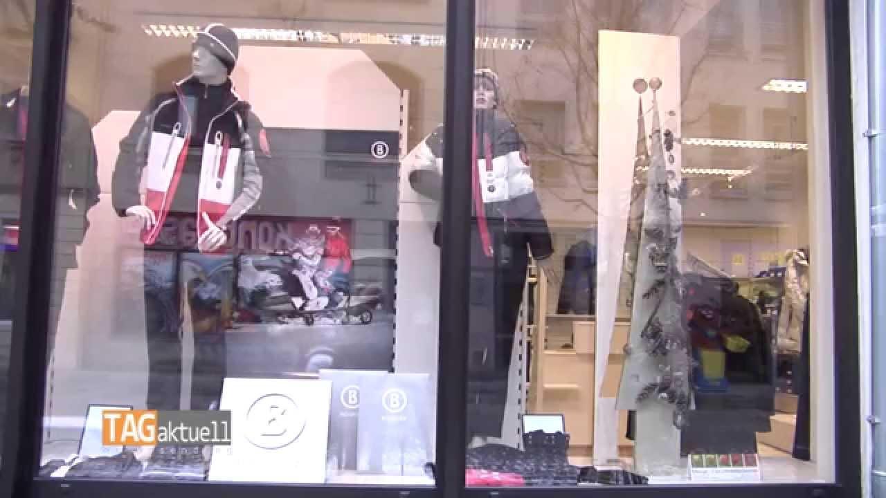 Weihnachtliche schaufensterdeko bei uta r der moden youtube for Schaufensterdeko weihnachten