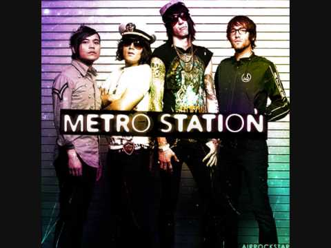 Metro Station - California (Lyrics)