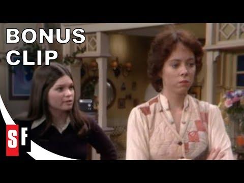 One Day At A Time  Bonus : Mackenzie Phillips And Glenn Scarpelli On Julie And Barbara