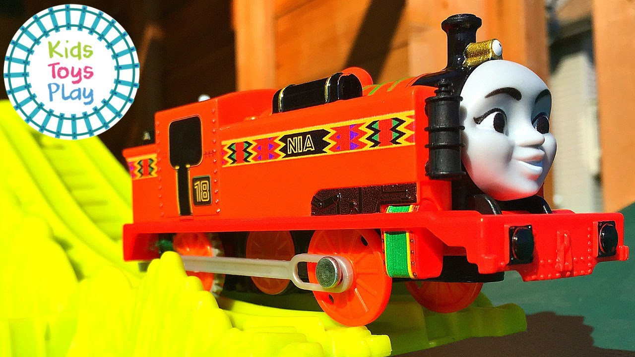 Thomas the Tank Engine Trackmaster Turbo Jungle Downhill Jumping