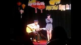 Gọi tôi Hà Nội ( Thu Thảo- guitar: Tiểu Tiên)