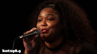 Lizzo - Coconut Oil (Live in KUTX Studio 1A)