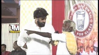 జగన్ను గెలిపించండి పవన్ కి షాక్ YS Jagan Fan Vs Pawan kalyan