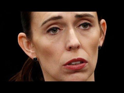 نيوزيلندا: حظر حيازة البنادق نصف الآلية والهجومية بعد مذبحة المسجدين…