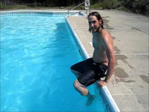 Three ways to get into a swimming pool youtube for Swimming pool 4 eckig