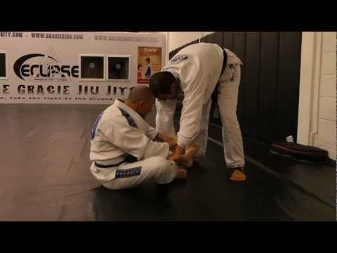Fran Zuccala rolling with Ryron Gracie