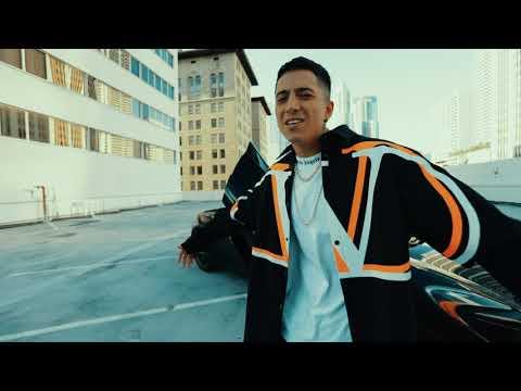 Смотреть клип Andy Rivera - Me Haces Falta