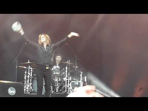 Belinda Carlisle - Leave A Light On (fragm.), Live In Middelkerke, 12.08.2017.