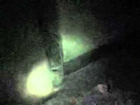 Real Ghost caught on tape 100- proof Tin co gap ma so te dai chay khong kiep