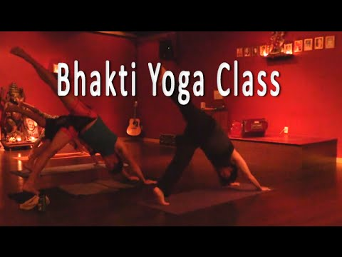 Bhakti Yoga Workout with Noah Christensen - for strength and centering