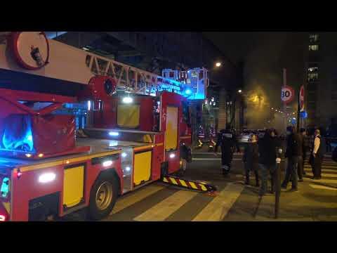 Incendie Devant Le Parisien : Plusieurs Véhicules En Feu (29 Décembre 2018, Paris)