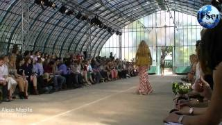 Repeat youtube video Alexis Mabille Spring/Summer 2012 Paris