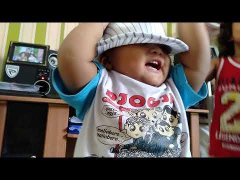 Di Iringi Musik Oleh Ayah Lendra..hahahahahaa