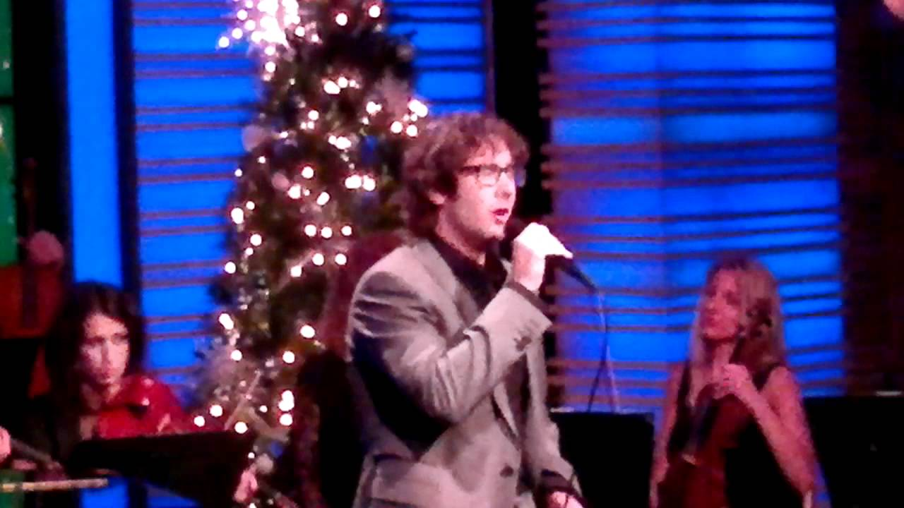 I\'ll be home for Christmas - Live with Kelly, Josh Groban - YouTube