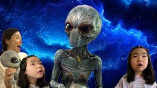 외계인 지구침공~ 외계인에게 납치된 엄마를 구출하라! 외계인대소동 외계인 UFO 외계유령 유령외계인 외계인납치사건 외계괴물 괴물 외계인 UFO alien monster