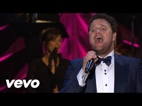 America the Beautiful / God Bless America (Medley) [Live] - David Phelps