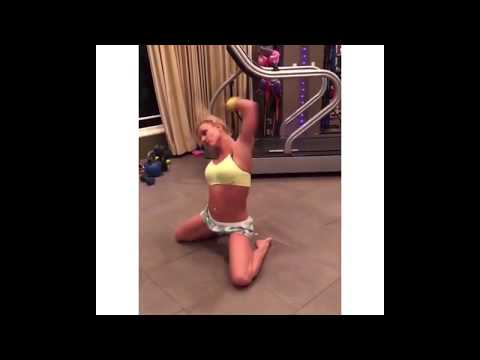 Britney Spears Dancing to Michael Jackson 2019 👑👑
