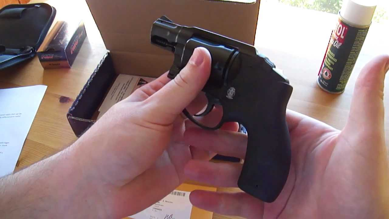 Smith & Wesson Bodyguard  38 Revolver Review