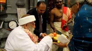Yezidi Baba Sheikh visits Murugan Temple in Washington DC